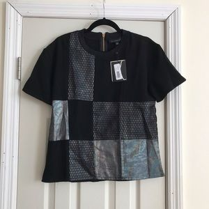 Short sleeve black top with design